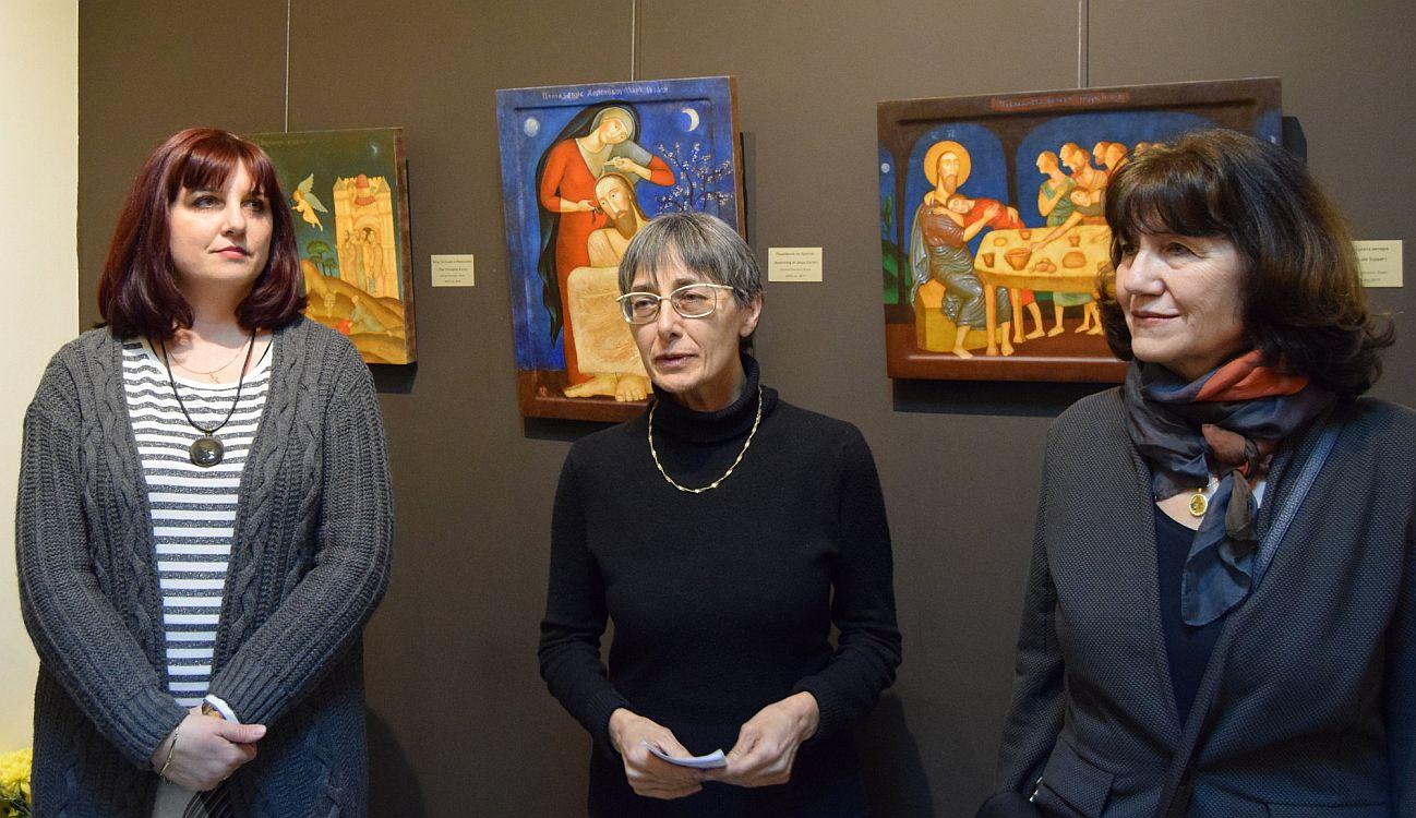 Надя Павлова, Елисавета Мусакова и Юлия Станкова в галерия Париж