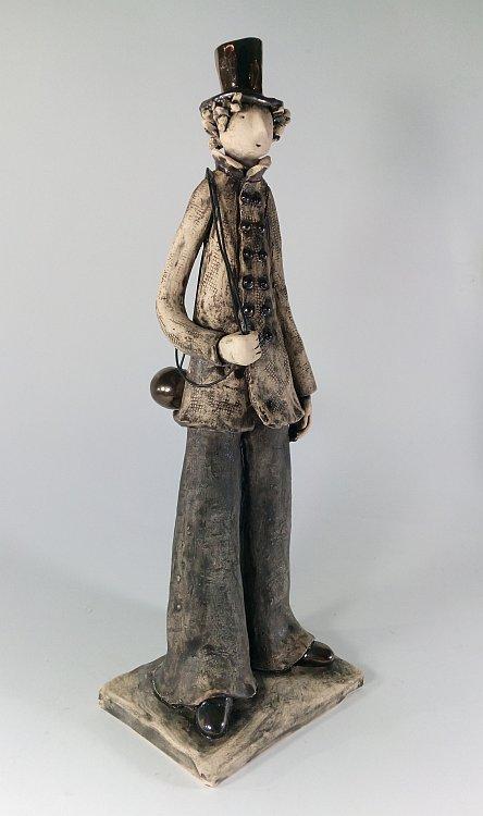 Kominochistach-skulptura-ot-Izabel-Nemechek