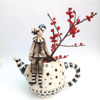 Izabell Nemechek- Chudatiat chainik-keramika-24x24cm