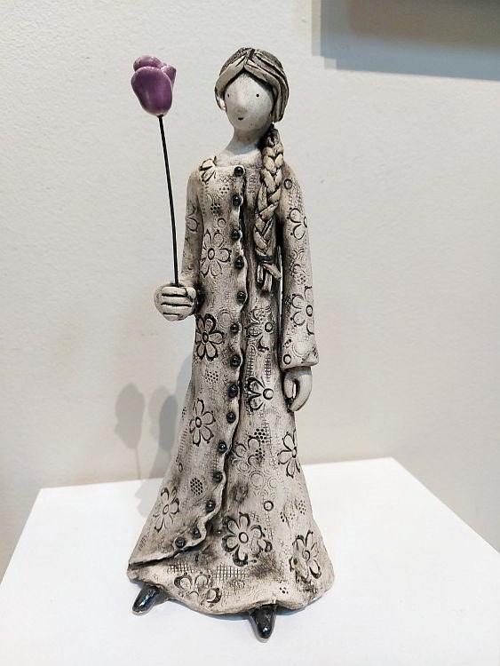 Momiche s roza-keramika-Izabel Nemechek